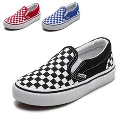 Niños de lona blanca online-Zapatos de los niños para las niñas Zapatos de lona de los niños Zapatillas de deporte de los niños Primavera Otoño 2019 Blanco Corto Plaid Moda Niños Skate Zapato # 65 Y190523