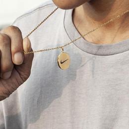 Cadeaux de hockey en Ligne-Alliage élégant moderne collier marée circulaire bijoux cadeaux d'anniversaire cadeaux mode / accessoires de sport accessoires hip hop culture