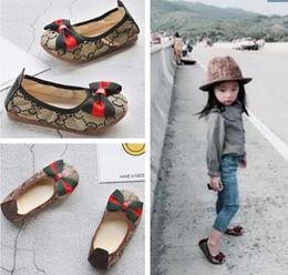 2020 zapatos de bebé de los niños primeros caminante infantil de bebé de la manera calza los zapatos de la princesa arcos suavemente único Girl Dance Calzado desde fabricantes