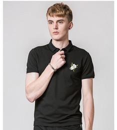 2020 neue designhemd-halsbänder Neue Freizeithemd Luxuxentwurf Rose Blumenmuster Sommer Mens Shirt Umlegekragen Shirt Men Plus-Sizexxloffow günstig neue designhemd-halsbänder