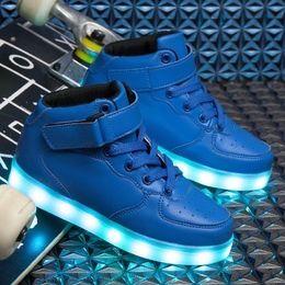 Niños llevaron zapatos online-Niños Niñas Marca de moda Niños LED Entrenadores Bebé Niño pequeño Niño grande Casual Zapatos de diseño con estilo Y18110304
