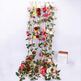 2019 exposições de frutas falsas 3 Cordas 153 cm Artificial Rose Flor Ivy Vine Decoração Do Casamento Real Toque De Seda Flores De Cordas Com Folhas De Suspensão Para Casa guirlanda