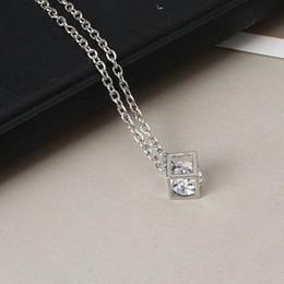 862fe562b7d6 2019 pequeños collares populares La moda popular  s cubo collar  tridimensional joker bloque pequeño corto