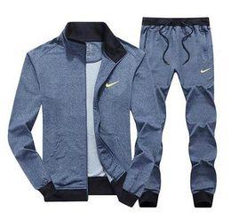 annunci suit Sconti Designer AD Men Sets Felpa con cappuccio Traccia Felpe Tute Tre strisce Tuta da uomo Mens Tute sportive Abbigliamento uomo