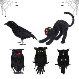 Corvo de pelúcia on-line-1PC Halloween Prop Horror Black Crow Coruja colorida Black Cat Plush Toys complicado para ornamento Bar Decoração de Halloween do evento do partido