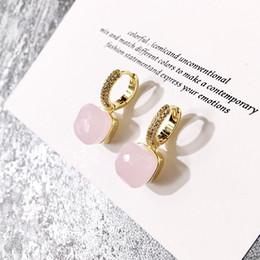 2019 Außenhandel heiße schöne Farbe Stein Ohrringe Kupfer Micro-Inlaid Candy Farbe Schiefer Kristall Ohrringe Frauen Diamant Ohrringe von Fabrikanten