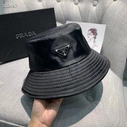 2019 chapeaux de baseball bling en gros De haute qualité en tissu mélangé lettres couleur pure Chapeau de mode Casquettes Fold Noir luxe capable pêcheur Plage pare-soleil pliant Cap