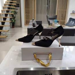 Бежевые сатиновые туфли онлайн-Идеальное официальное качество Том два ремешка Сатин Мэри Джейн насосы с острым металлическим носком бежевый черный женщины Ford новый выпуск редкие туфли