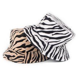2019 leopard flat cap Outono Inverno das Mulheres de Pelúcia Zebra Bucket Hat Reversível Dupla-face Leopardo Pescador Chapéus Ao Ar Livre Folding Tampas Planas leopard flat cap barato