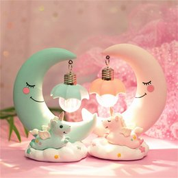 kinder nacht licht mädchen Rabatt LED Nachtlicht harz Mond Einhorn Cartoon Baby Kinderzimmer Lampe Atmung für Kinder Kind Mädchen Spielzeug Weihnachtsgeschenk