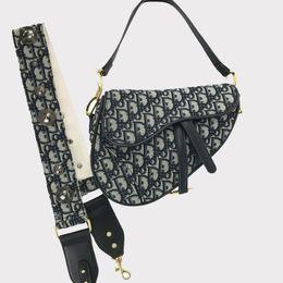 2020 bolso de mano bordado de cuero de mano de la señora Fashion bolsas de mensajero de la lona de la PU de cuero hebilla de herradura de la correa de hombro solo hombro oblicuo del bordado Bolsas bolso de mano bordado de cuero baratos