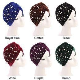 pérola india Desconto Novo chapéu de veludo indiano chapéu retro fashion pearl beads inverno quente turbante cruz india cap para mulheres mulheres hijab turbante