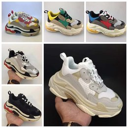 Argentina Balenciaga Triple s runners 2019 Kids Luxury shoes Triple-s Big Kids Designer Sneakers Paris Triple S Children Running Calzado casual para niños Chicas Entrenadores talla 28-35 supplier running shoes big size Suministro