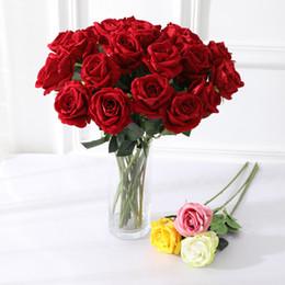 decorações de rosa Desconto Rose Artificial casamento Flower Bouquet Simulação falsificação flor Rose Bouquet Artificial Silk partido Home Flower Tabela Decoração DBC VT0535