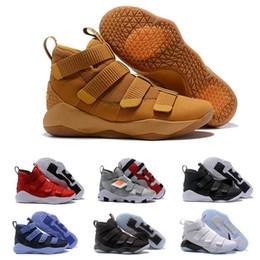 soldat lebron 12 Promotion 2019 nouveau James Soldier XI 11 Marine Bleu Hommes Chaussures De Basketball LeBron Noir Blanc Sport Baskets Taille NOUS 7-12