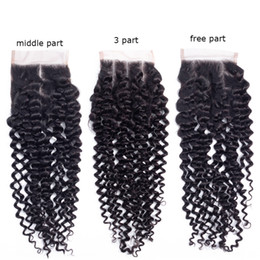 top cheveux remy Promotion Brésilien Kinky Curly Remy Hair Lace Closure 100% noeuds de cheveux humains blanchis avec des cheveux de bébé gratuit milieu 3 parties top fermetures
