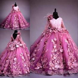I vestiti delle bambine vestono champagne online-Nuove maniche lunghe Abito da ragazza di fiori per matrimonio Fucsia Fiori 3D Abito da principessa Abito da ballo di lusso Abiti da spettacolo per bambine