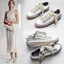 Плоская обувь korea новый онлайн-2018 новые шелковые атласные шелковые ботинки холстины Корея старые туфли плоские белые женские