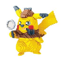 Детектив Пикачу Мелкие частицы строительные блоки игрушки Карманный монстр Кирпичи фигурки Блоки игрушка для детей подарок на день рождения C6891 от Поставщики алмазные блоки mini loz