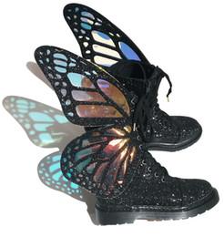Magia del merletto della scarpa online-Spedizione gratuita Magia colore Corto Stivali Donna 3D Farfalla Ali cerniera laterale Lace up Moda Casual Scarpe Donna colorful Bling Stivaletti Donna
