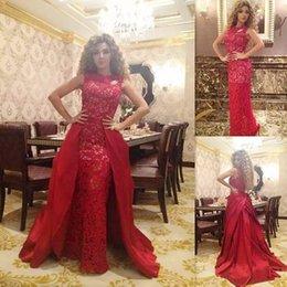 Canada élégantes robes de soirée 2018 dentelle rouge robes de bal longueur de plancher robes de demoiselle d'honneur train détachable robes de mariée cheap red dress detachable train Offre