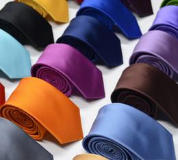 Saf-renk Eğik Şerit Moda Kravat Erkek Klasik Kravatlar Örgün Düğün Iş Erkekler Aksesuarları Için Kırmızı Pembe Şerit Kravat kravat Damat Bağları nereden