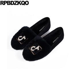 Diamante negro de china online-Rhinestone gamuza zapatos baratos diseñador de pieles de porcelana de cristal chino pisos punta redonda 2018 mujeres negro diamante gris conejo de invierno