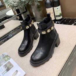 Zapatos de diseñador talla 34 online-Zapatos de diseñador para mujer Martin Desert Boot Medalla de cuero real Grueso antideslizante Zapatos de invierno para mujer Botines Tamaño 34-41