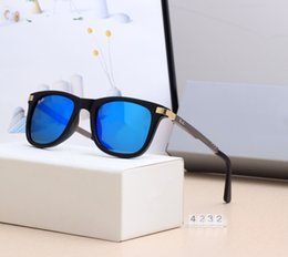 2019 óculos de sol casais Designer de óculos de sol da marca dos homens e das mulheres óculos de sol lentes de vidro temperado clássico moda casal viagem férias óculos de sol com caixa