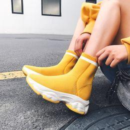 Plüsch farbe kleid online-MLJUESE 2020 Frauen Stiefeletten stricken Karree gelbe Farbe Slip auf Winter kurze Plüsch Frauen Stiefel Partykleid