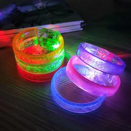 acrílico piscando levou pulseiras Desconto Acrílico Brilhante Unisex LED Light Up Flash Pulseira Pulseira De Pulso Banda pulseira luminosa para fontes da festa de Natal F3141