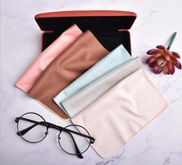 Suede feste Farbe Gläser Tuch individuelles Logo Sonnenbrille Reinigungstücher können Spiegeltuch angepasst werden von Fabrikanten