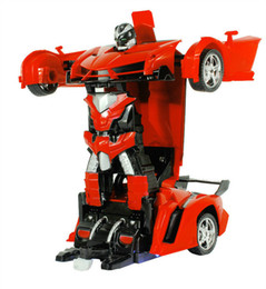 Canada Dommage Remboursement 2In1 Voiture RC Voiture de Sport Transformation Robots Modèles Télécommande De Déformation RC jouet de combat GiFT Pour Enfants Offre