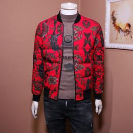 hombre chaquetas de cuero europa Rebajas 2019 marca de moda de lujo para hombre chaquetas de diseño Chaqueta de cuero para hombres Chaqueta de plumón de Europa y para hombres Collar de béisbol corto y delgado Abrigo rojo de moda