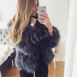Chaquetas hechas a mano de las mujeres online-Chaquetas de piel 100% Fluffy Feather Fever de New Season hechas a mano de punto genuino abrigo de piel de avestruz mujeres venta al por menor Natural chaqueta