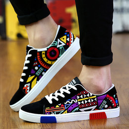 cloth breathable shoes Promo Codes - AREQW Spring And Autumn Men's Low Canvas Shoes Fashion Sports Shoes Breathable Graffiti Cloth Men's Casual