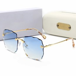 2019 óculos transparentes de grandes dimensões Moda Sem Aro Óculos De Sol Das Mulheres Transparente Limpar Armação de Metal Óculos de Sol Do Vintage Feminino de Grandes Dimensões De Corte De Óculos De Sol com marca desconto óculos transparentes de grandes dimensões