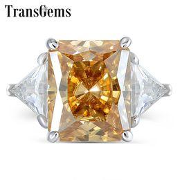 14k anel de ouro amarelo pedra Desconto Transgems 14k Ouro Branco 4.5ct 9x11mm Amarelo Escuro Radiante Corte Moissanite Com 2 Peças Triângulo Fg Cor Pedra Anel de Noivado Y19061203