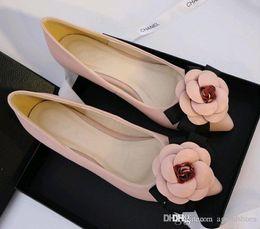 Frauen Schuhe 2019 Sommer Frauen Schuhe Flach Spitz Frauen Sandalen Süße Damen Schuhe Plus Größe A838 Online Rabatt Frauen Sandalen