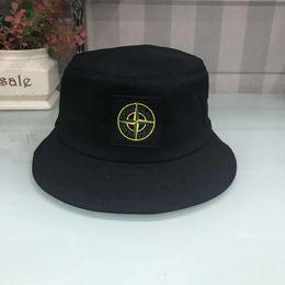 Argentina Nuevo diseñador de moda de cuero carta Bucket Hat para hombre para mujer Gorras plegables Negro Fisherman Beach Sun Visor venta plegable hombre Bowler Cap Suministro