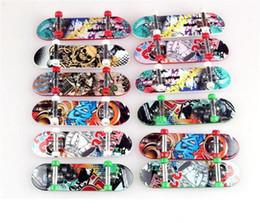 Enfants Jouets Animation Modèle Voisin Finger Board Truck Mini ABS Skateboard Jouant Jouets Finger Skateboards K0102 ? partir de fabricateur