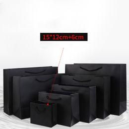 pequeñas bolsas de asas pequeñas Rebajas Bolsa de regalo de papel negro pequeño Quevinal 15 * 12 + 6 cm Bolsas de compras Kraft pequeñas de tamaño mini con asa para regalos de fiesta Ropa
