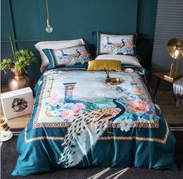 Capas de edredon cetim europeu on-line-Estilo Europeu de Algodão uma família de quatro conjuntos de cama de alta qualidade de Cetim Fina 3D Impressão 4 Capa de Edredão conjunto