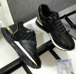 Direkte fabrikverkauf schuhe online-Europäische Schuhe der hohen Hilfe der Männer beiläufige neue handgemachte Schuhe 35-45 obere Fabrikverkäufe des Leders geben Verschiffen frei