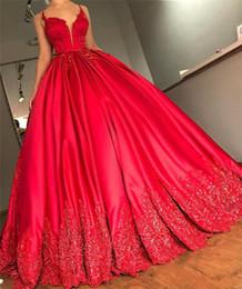 Le ragazze rosse dimettono 14 abiti di sfera online-Palla abiti di lusso rosso Quinceanera Abito Sexy scollo a V in pizzo Appliques paillettes Plus Size increspata raso ragazze spettacolo principessa Prom Gowns