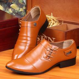 Zapatos de vestir de moda para hombre caliente Hombres Fiesta Boda Negocio Cuero PU Pisos laterales con cordones zapatos puntiagudos casuales desde fabricantes