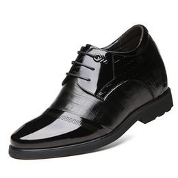04056a7ca4 2019 palmilhas de aumento de altura para homens Vestido Formal dos homens  Derby Sapatos de Couro