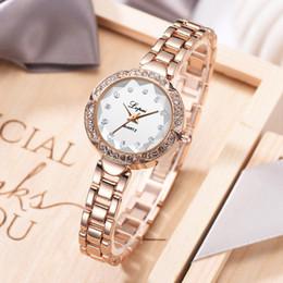 самые маленькие наручные часы Скидка Vansvar мода небольшой европейский простой повседневная красота и тонкий браслет часы montre femme 2019 женщины наручные часы женский горячий