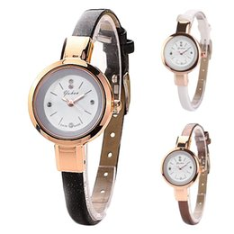 relógios de pulso moda feminina Desconto Relógio de Pulso das Mulheres Elegantes Casual Relógio de Quartzo Fino Pulseira De Couro Das Mulheres Com Vestidos Elegantes Pulseira