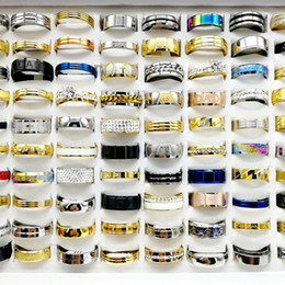 bandes de fiançailles pour les femmes Promotion 30PCS / lot Mélanger Style Anneau En Acier Inoxydable Anneau Des Femmes Des Hommes De La Mode Des Femmes Des Cadeaux De Bijoux
